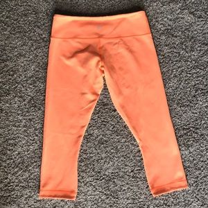 Lululemon reversible capris, neon orange/grey 8